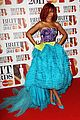 rihanna brits red carpet 05