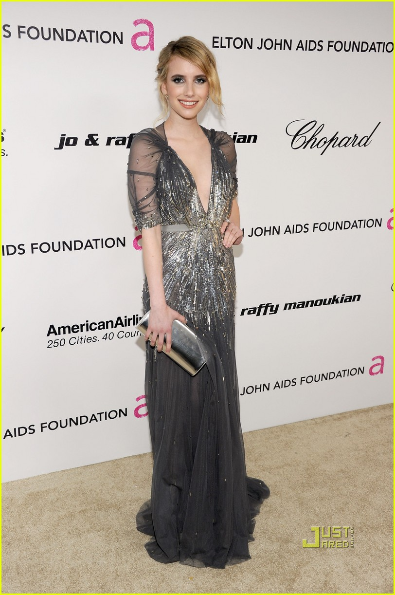 emma roberts elton john aids foundation oscar viewing party 03