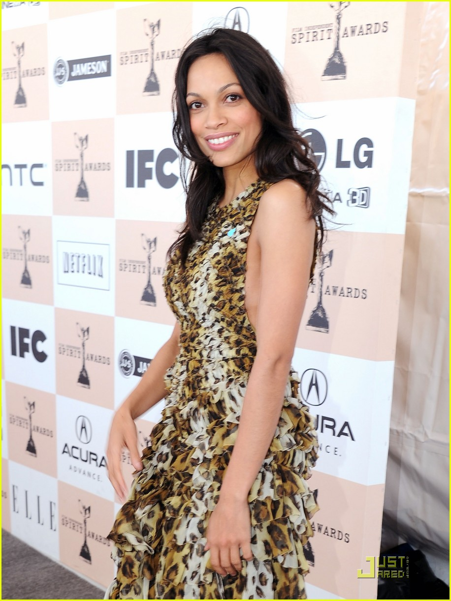 zoe saldana rosario dawson spirit awards 01