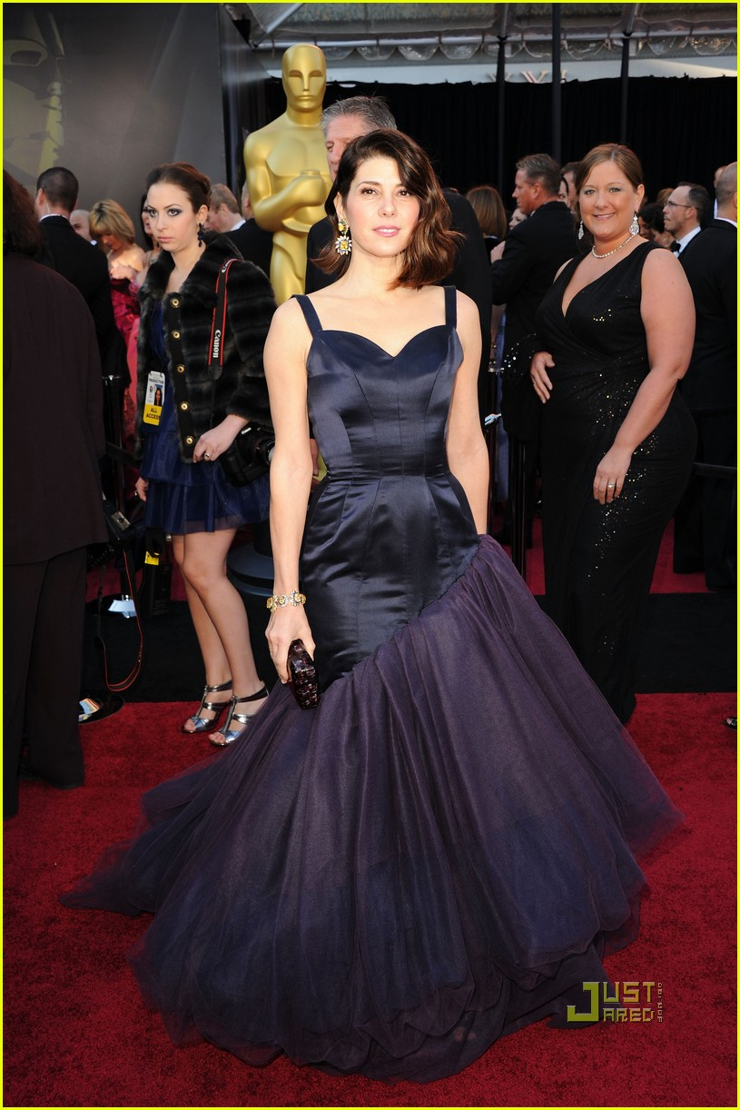 marisa tomei oscars 2011 red carpet 03