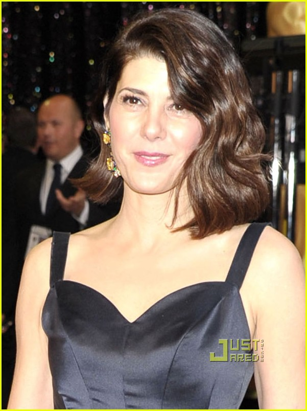 marisa tomei oscars 2011 red carpet 05
