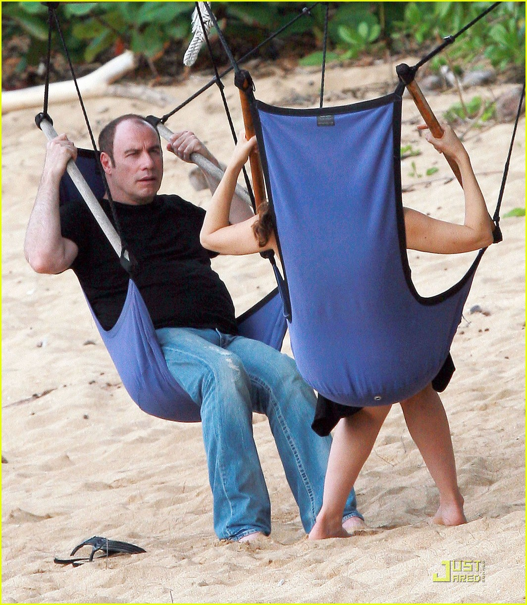 john travolta kelly preston hawaii 04