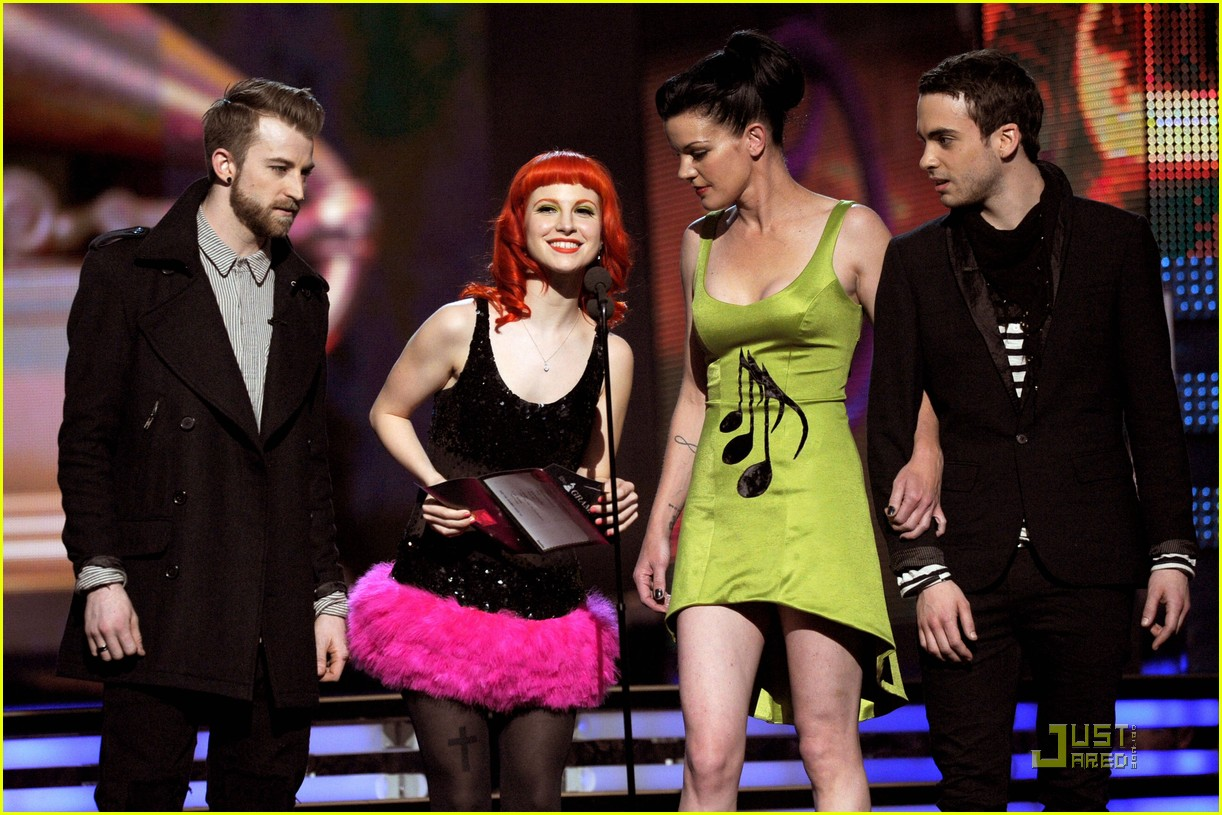 hayley willaims grammys 2011 10