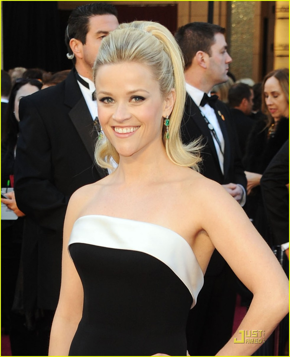 reese witherspoon oscars 2011 042523664