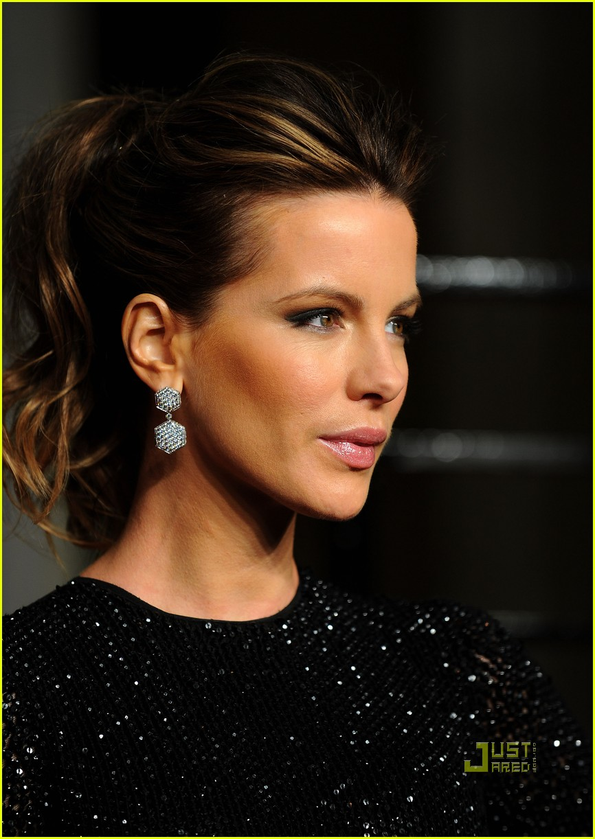 kate beckinsale vanity fair oscar party len wiseman 04