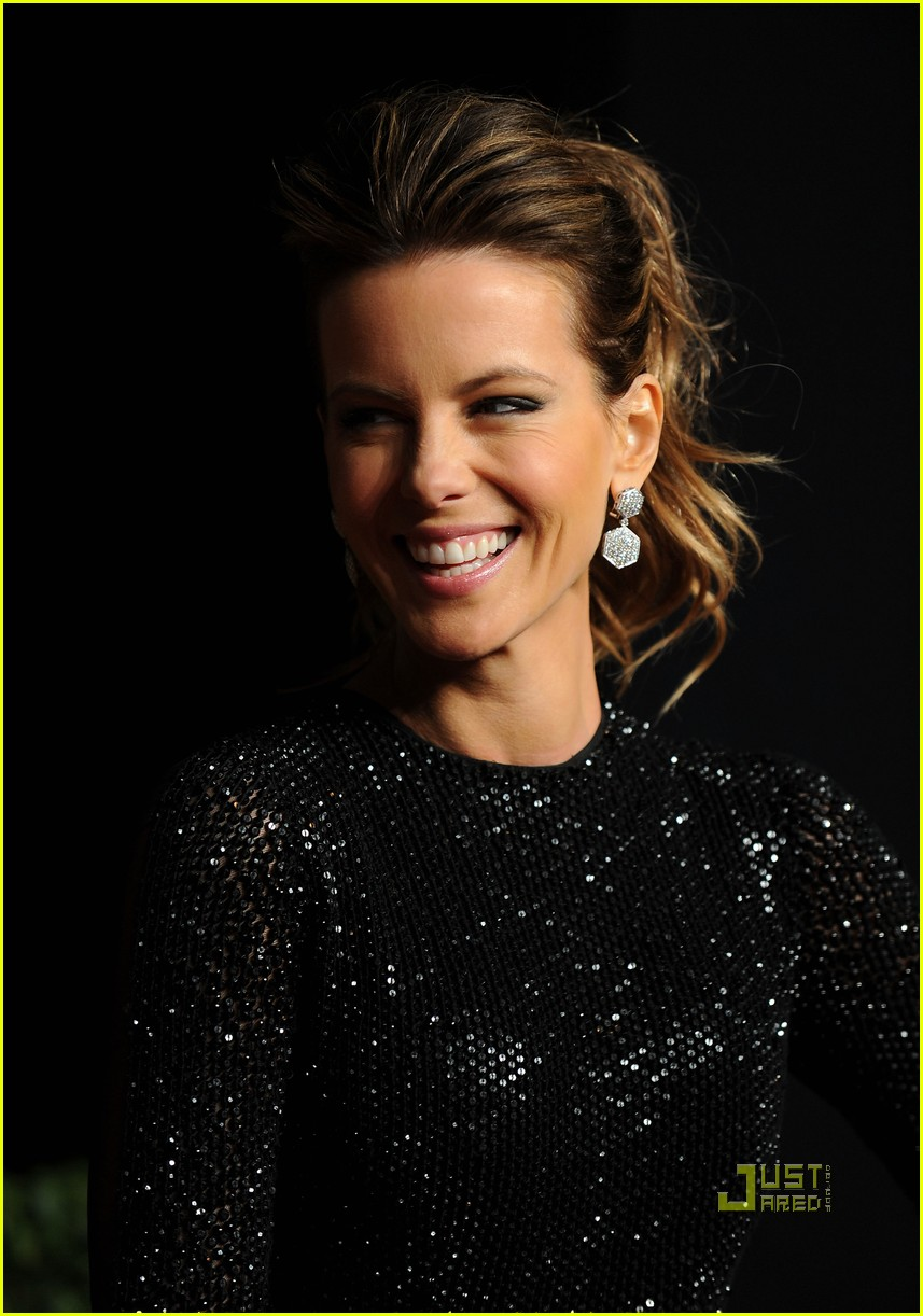 kate beckinsale vanity fair oscar party len wiseman 06