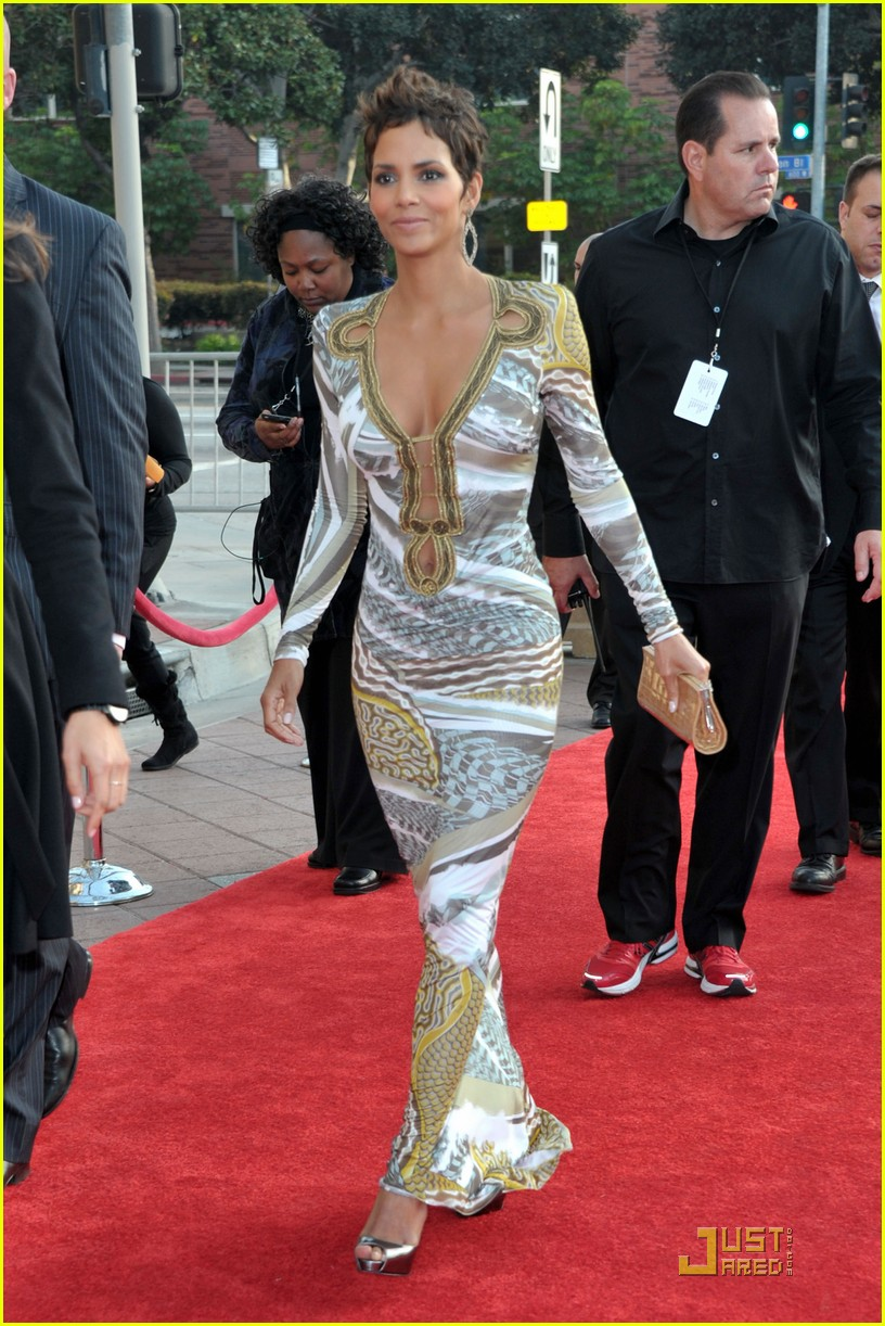 halle berry naacp image awards 03