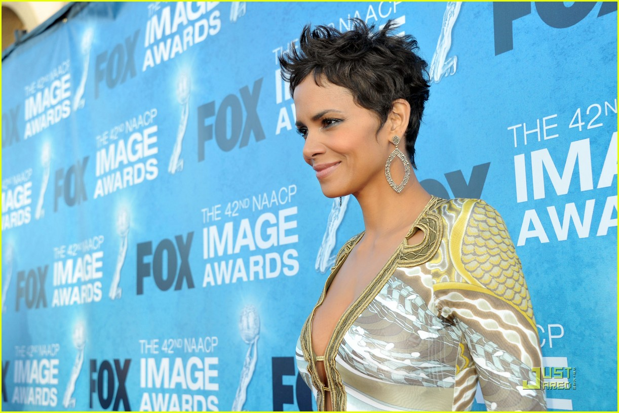 halle berry naacp image awards 06