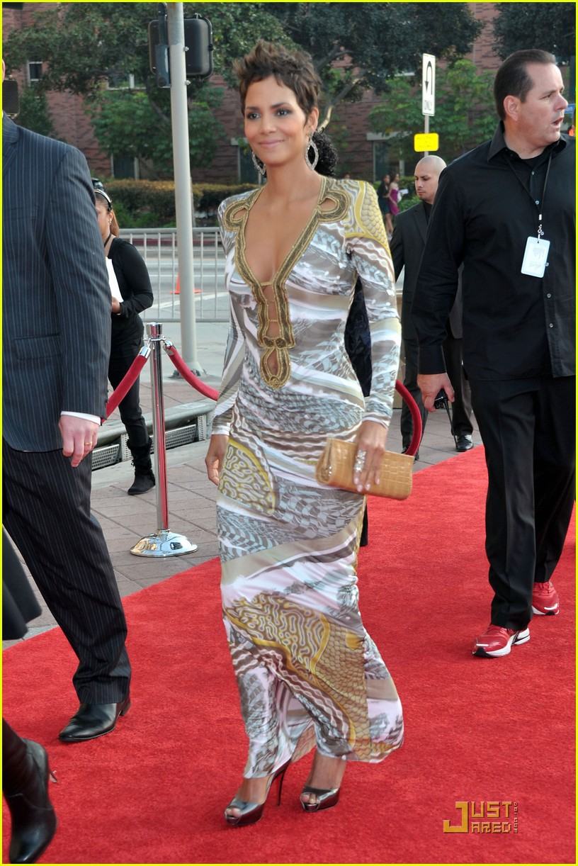 halle berry naacp image awards 10