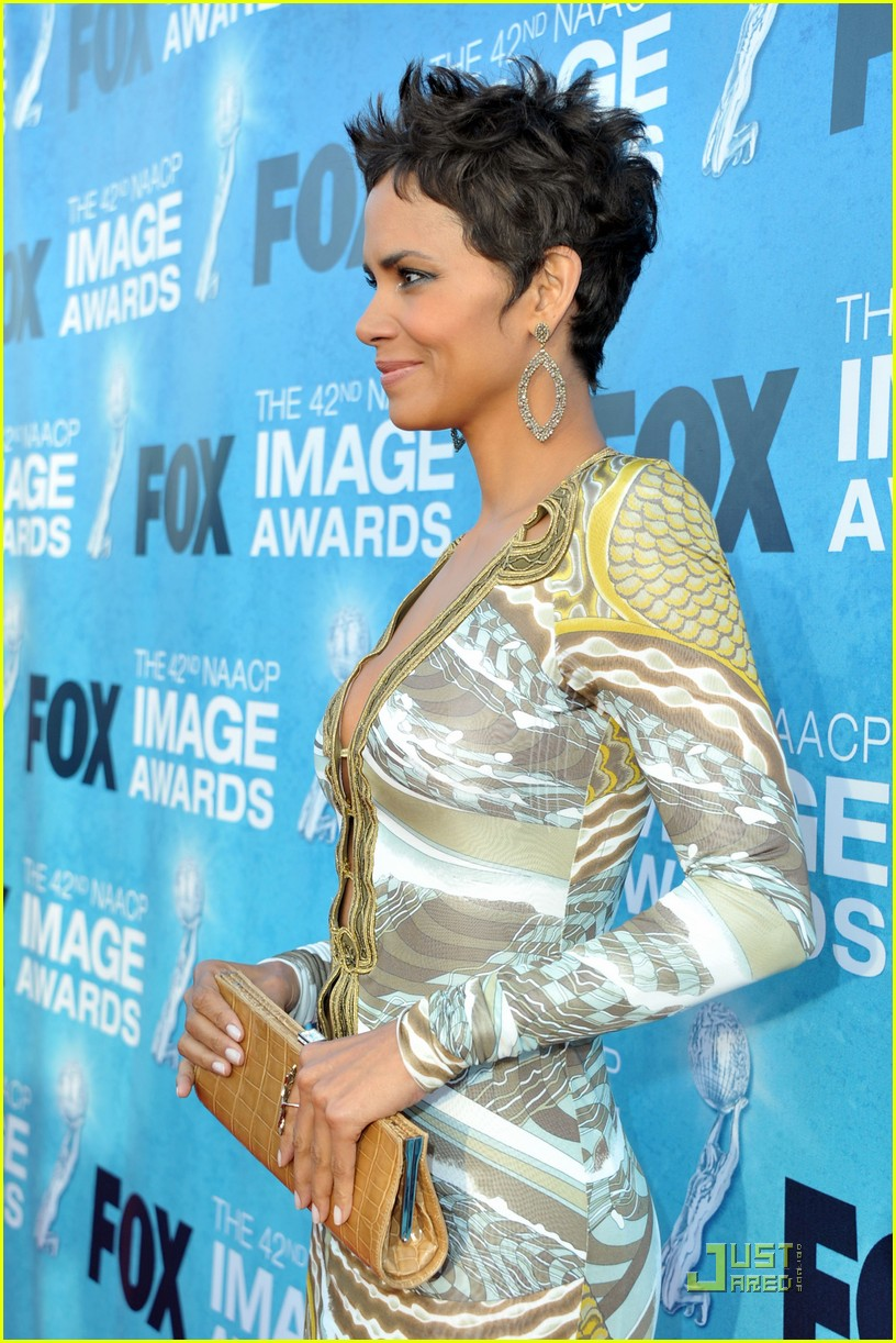 halle berry naacp image awards 11