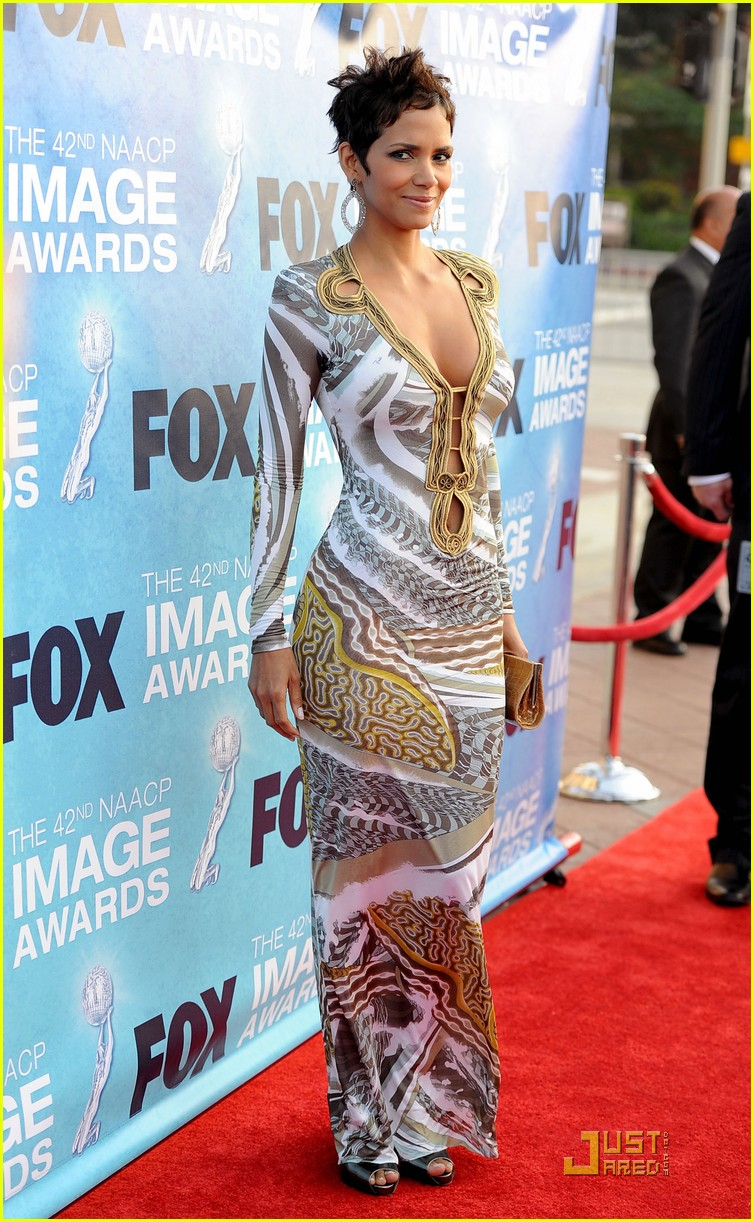 halle berry naacp image awards 14