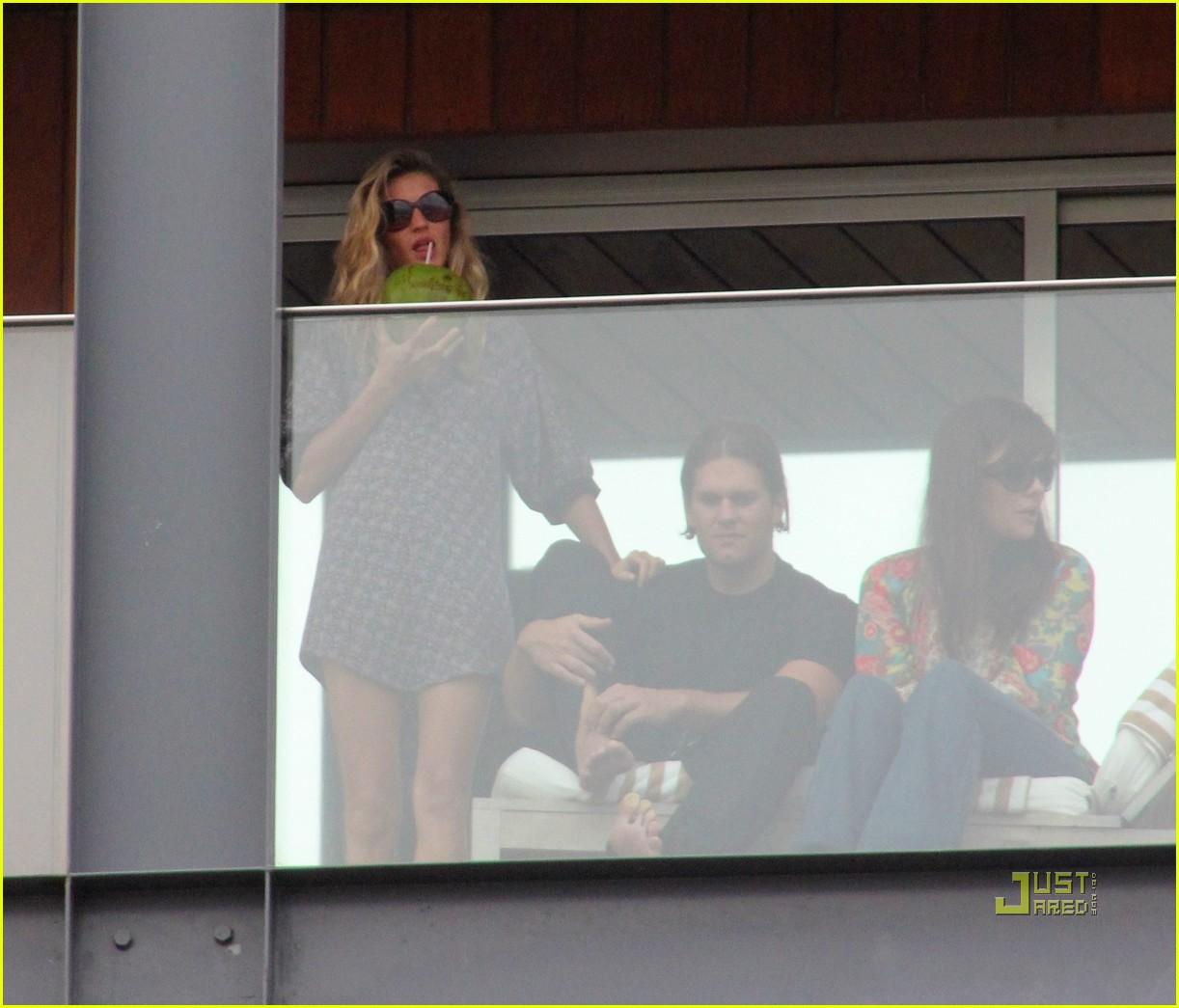 gisele bundchen tom brady brazil balcony 19