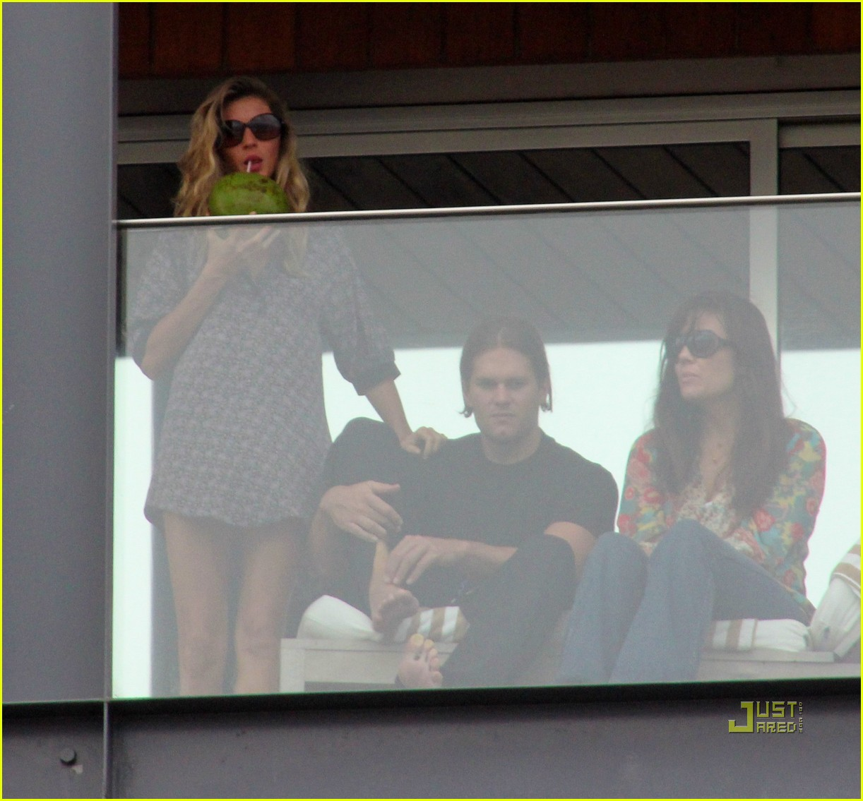 gisele bundchen tom brady brazil balcony 26