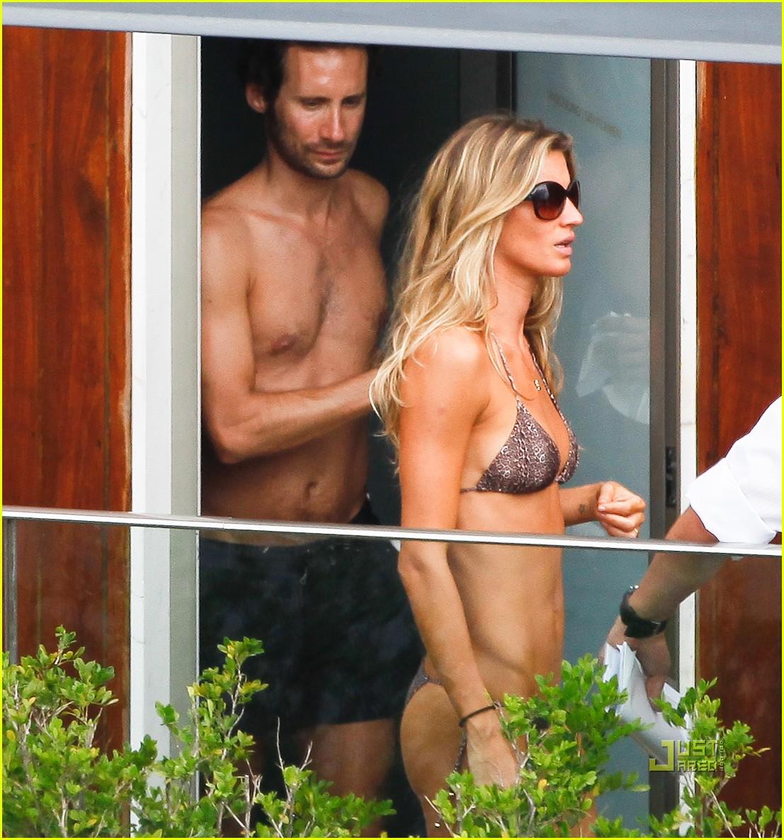 gisele bundchen bikini hotel pool brazil 02
