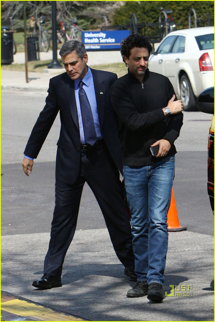 George clooney suit ides of march 082528371