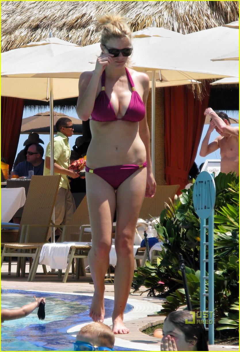 brooklyn decker fuschia bikini miami 01