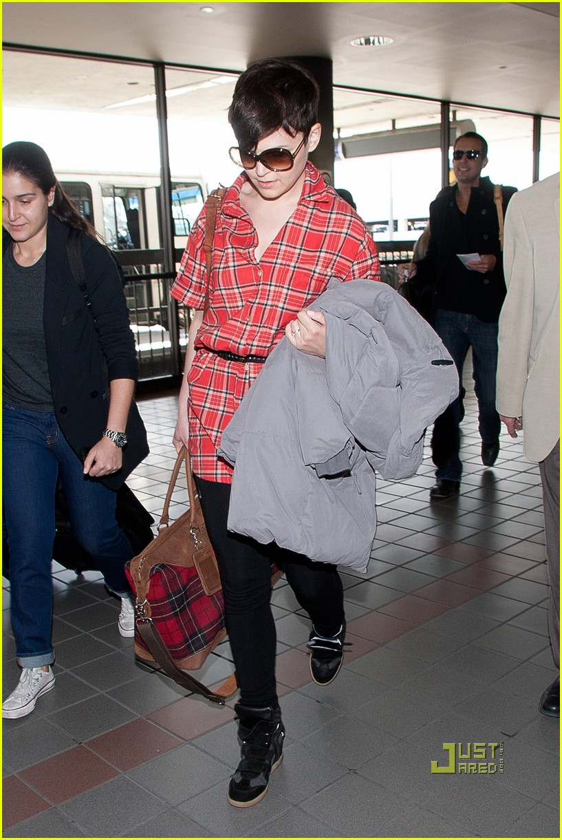 ginnifer goodwin plaid lax 04