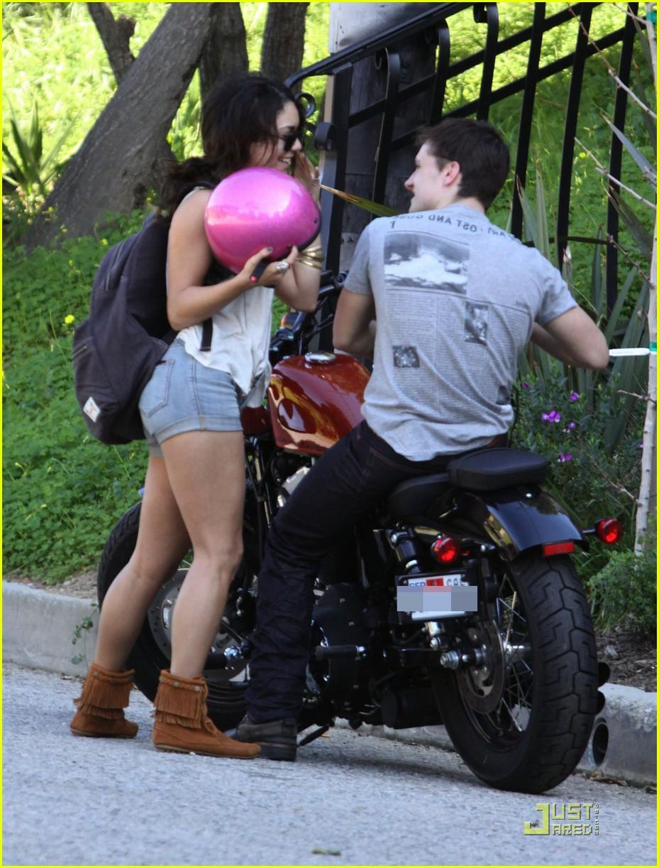 vanessa hudgens josh hutcherson motorcycle 04
