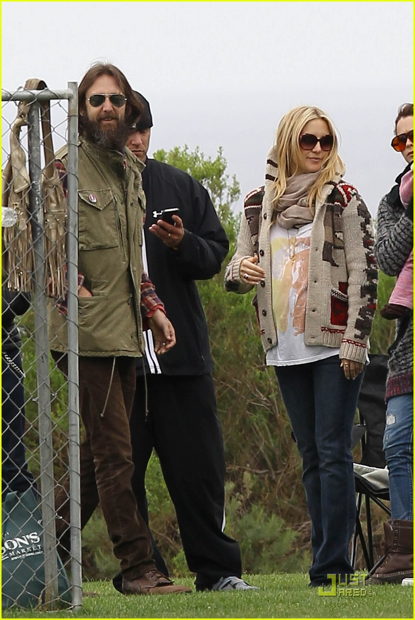 kate hudson family time with chris robinson 01