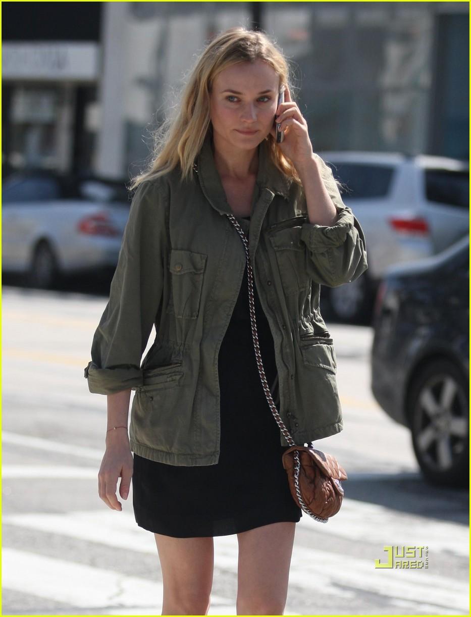 diane kruger military jacket phone 02