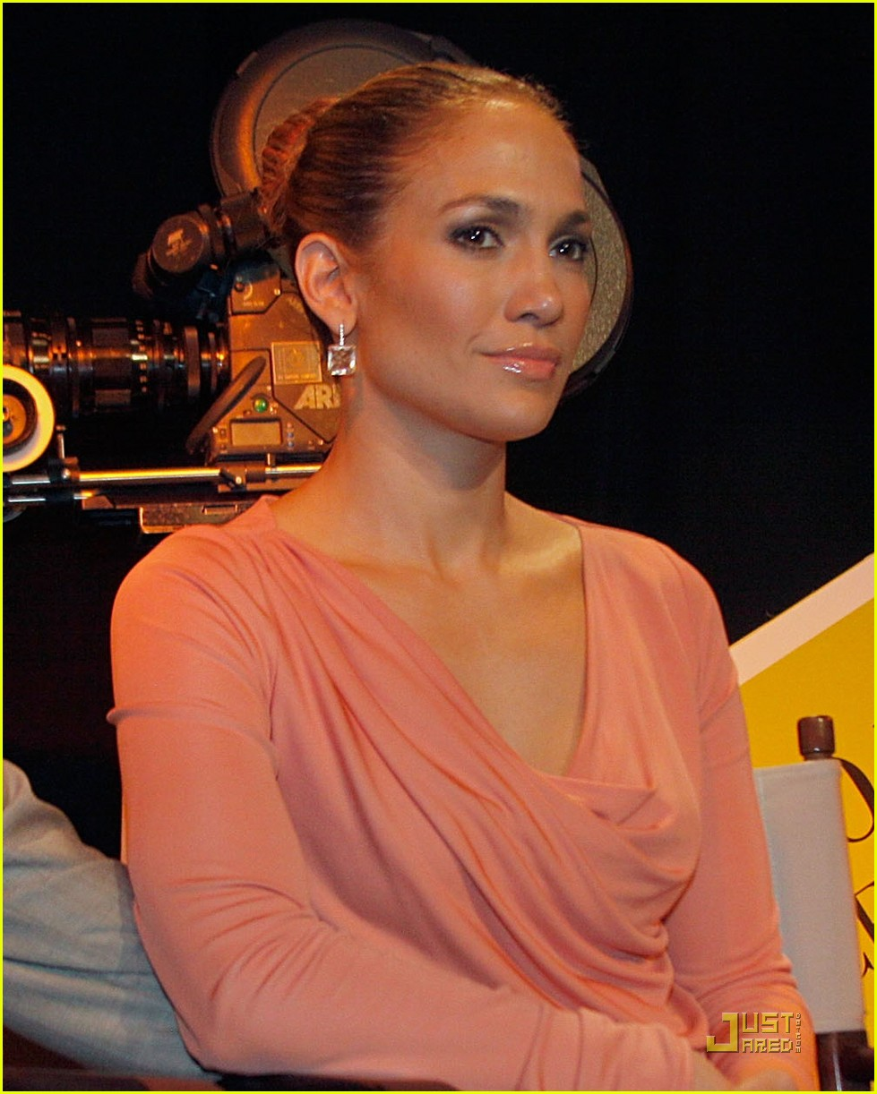 jennifer lopez marc anthony film studio bill signing 02
