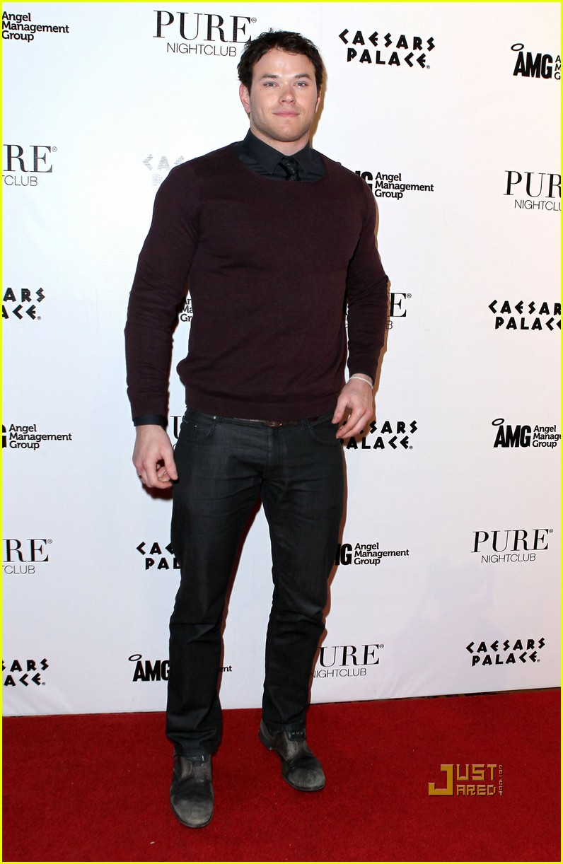 kellan lutz birthday pure nightclub 11