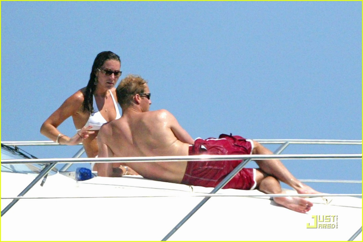 kate middleton prince william bikini 032527372