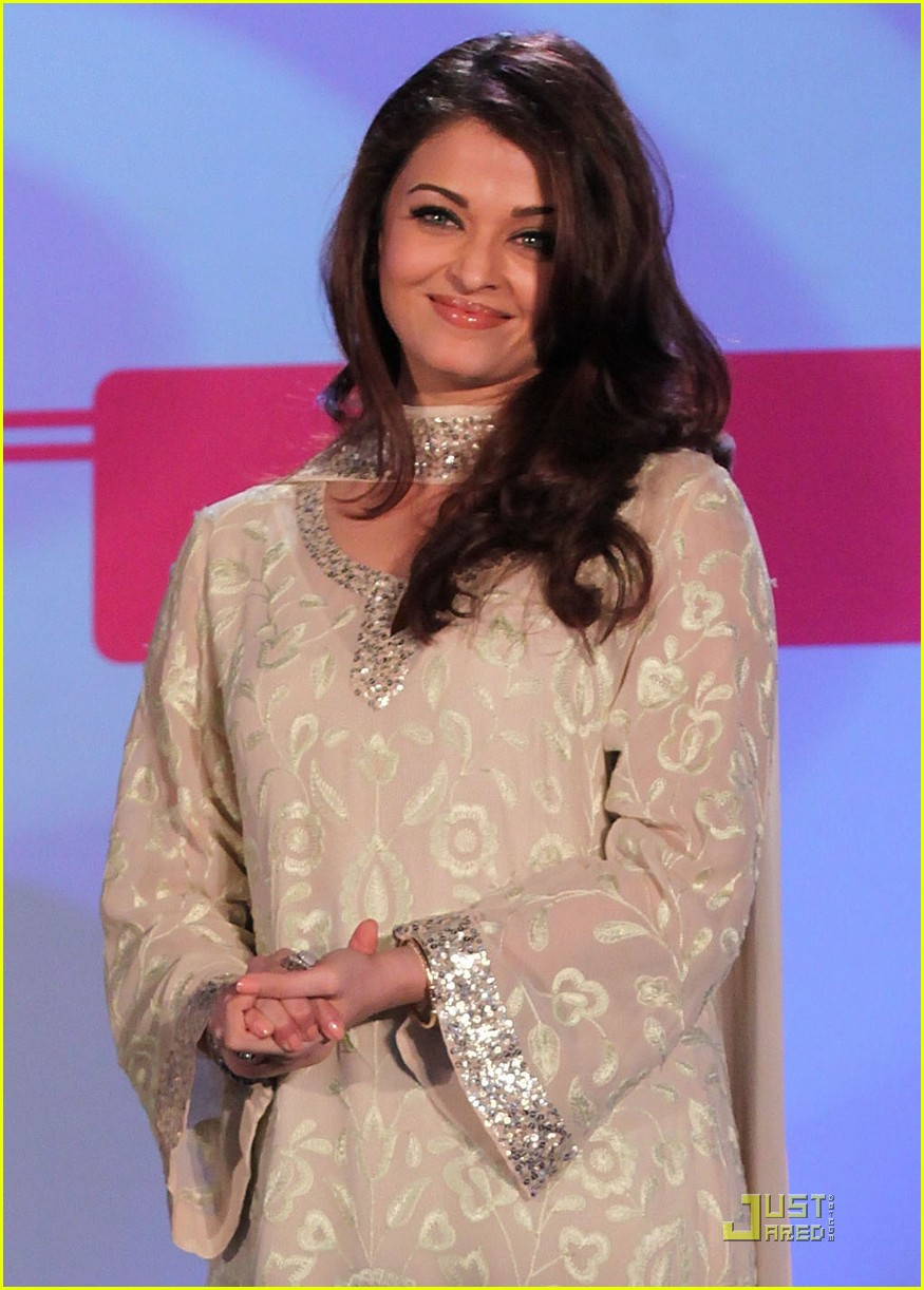 aishwarya rai womens drive awards 2011 04