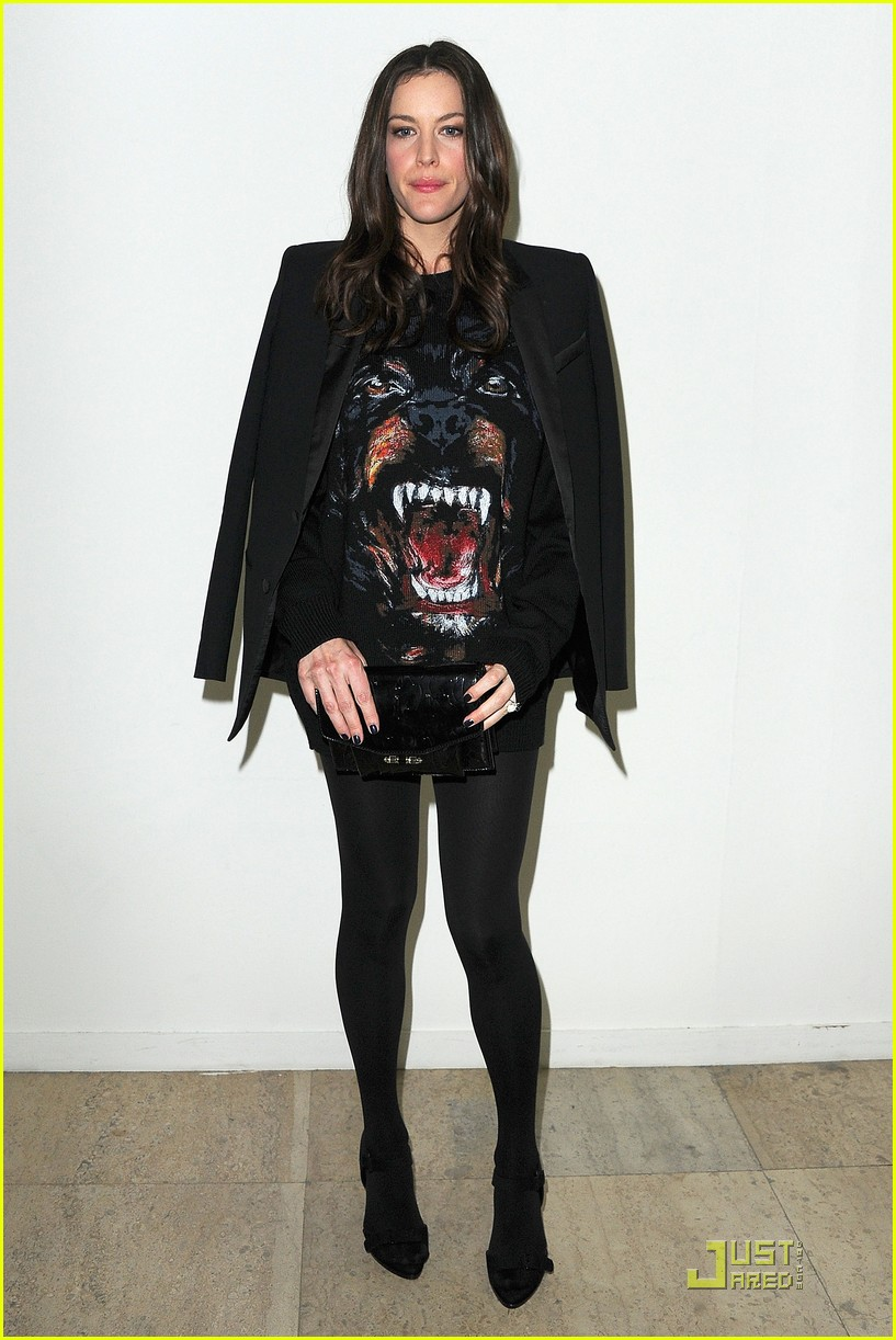 nicole richie liv tyler givenchy gals 03