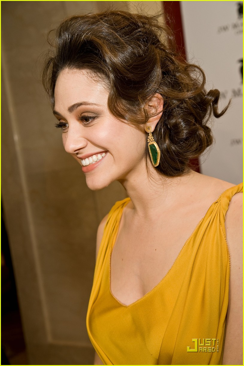 emmy rossum jw marriott chicago grand opening 01