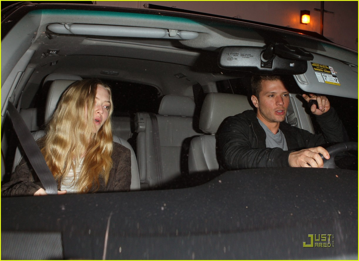 amanda seyfried date night with ryan phillippe 03