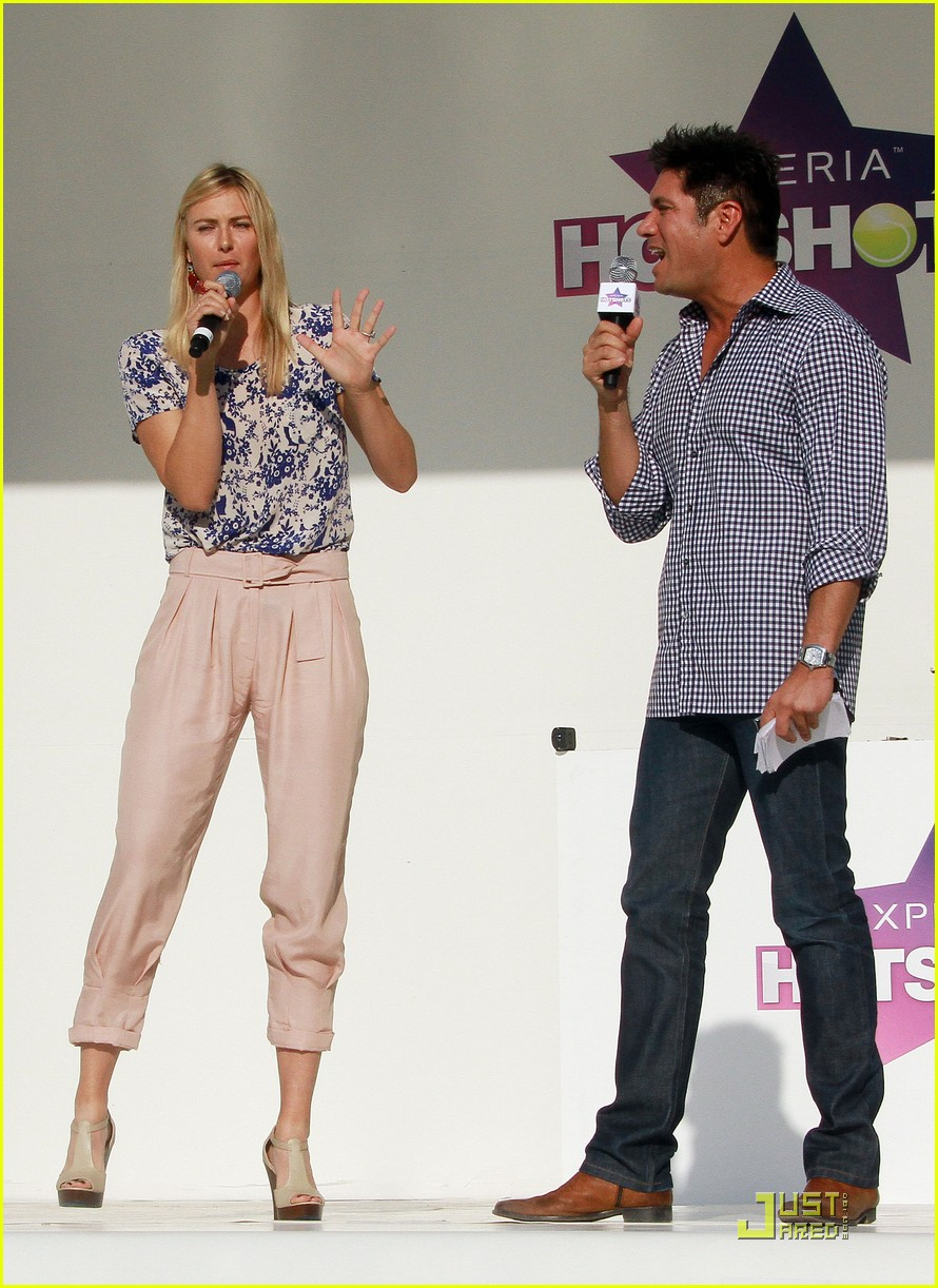 maria sharapova launches xperia hot shots 03