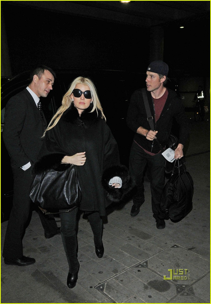 jessica simpson eric johnson eurostar to france 05