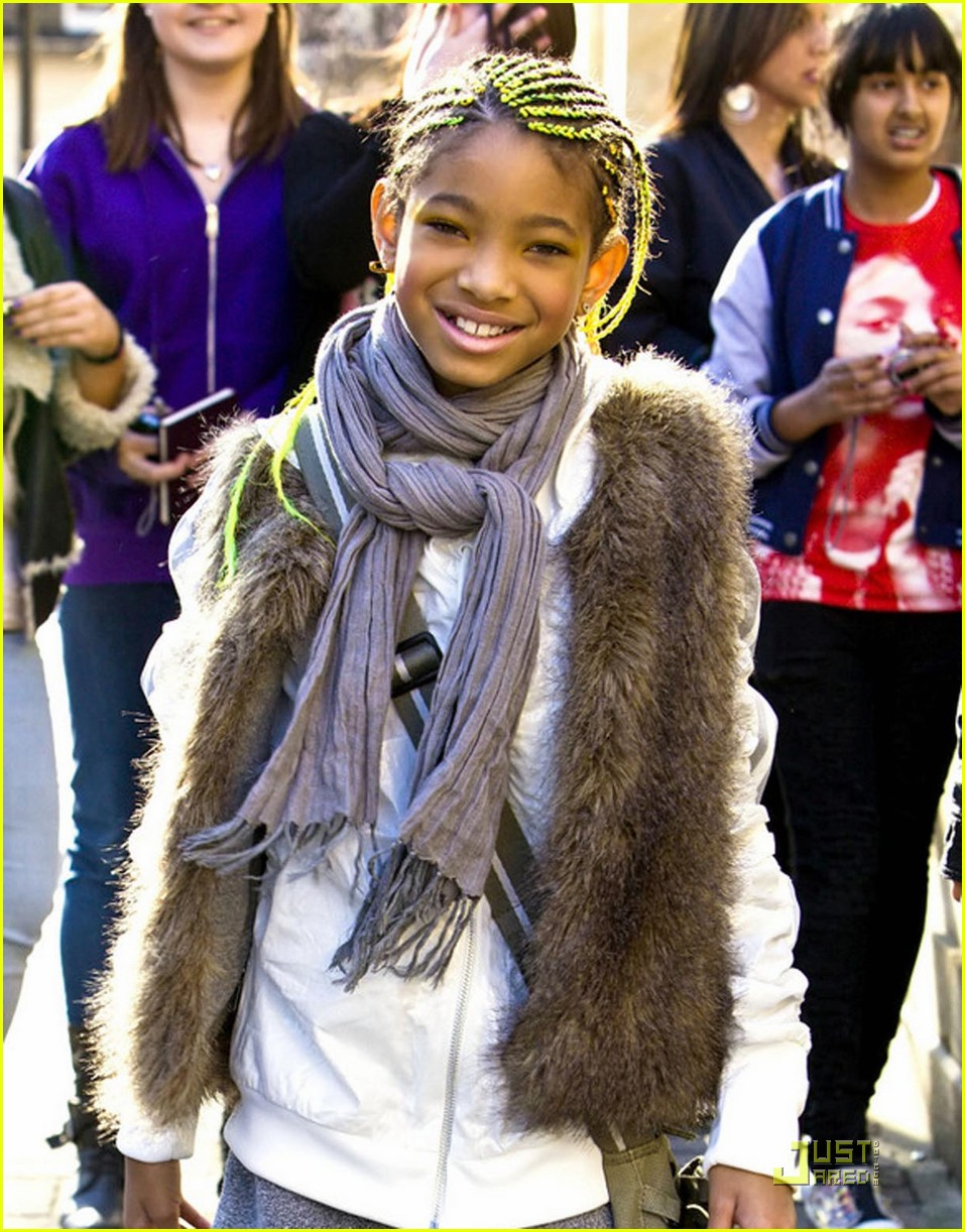willow smith neon braids 01
