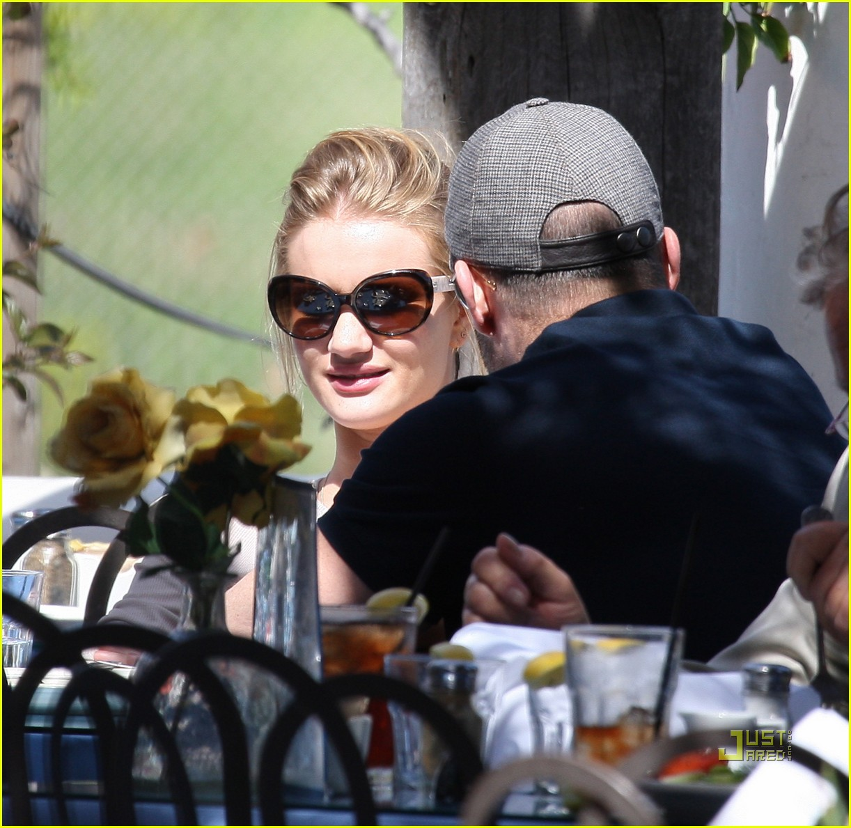 rosie huntington whiteley jason statham taverna 10