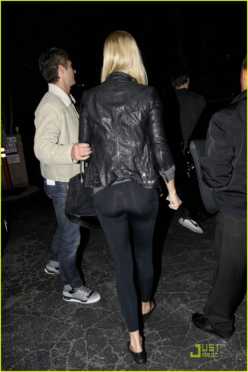 charlize theron dines with a mystery male 05