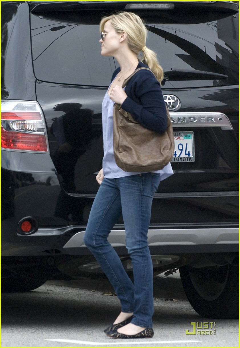 reese witherspoon church lunch ava 10