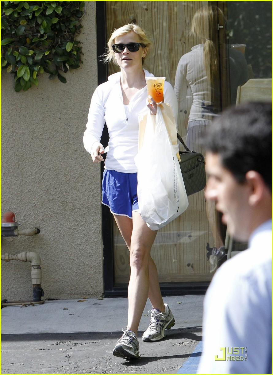 reese witherspoon le pain quotidien 01