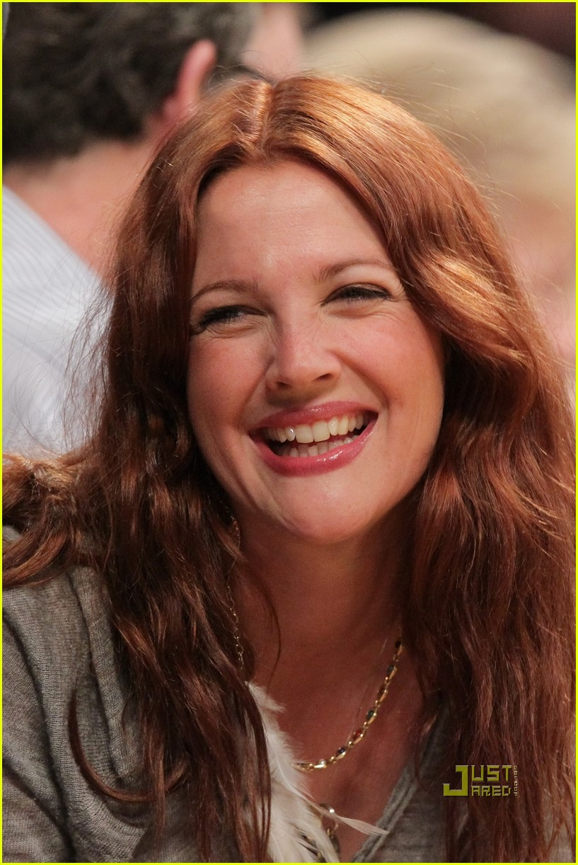 drew barrymore will kopelman lakers game courtside kiss 04