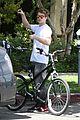rachel bilson hayden christensen bike riding duo 01