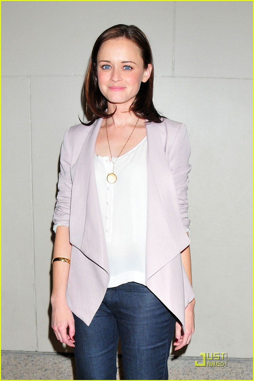 alexis bledel visits the seven 042534849