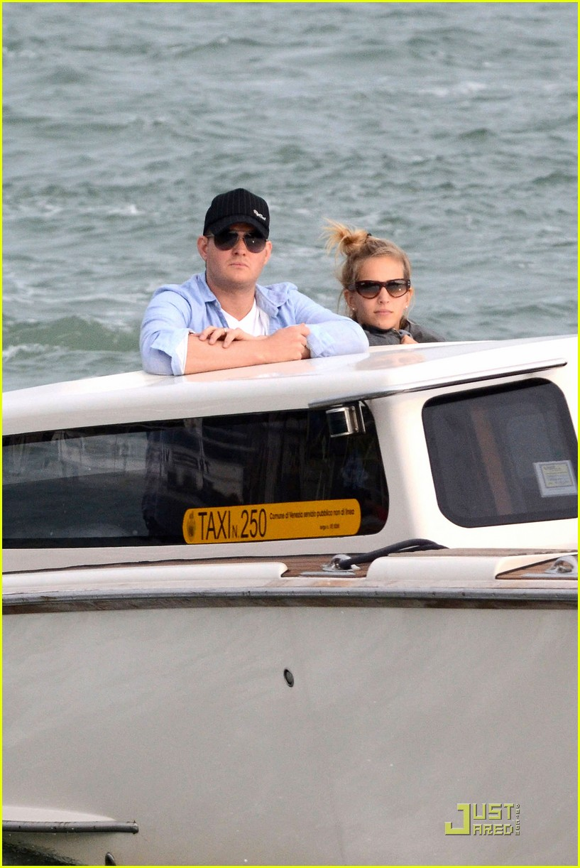 michael buble luisana lopilato venice vacation 012538000