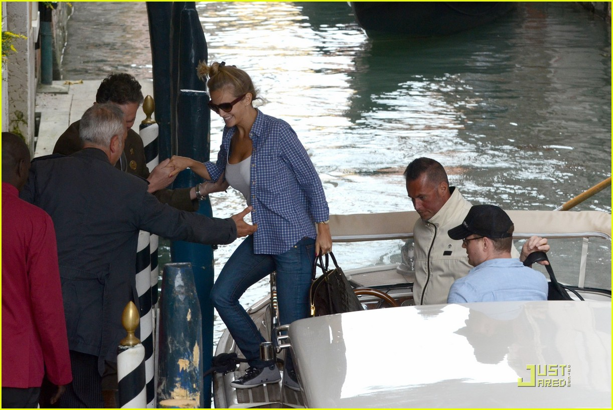 michael buble luisana lopilato venice vacation 04