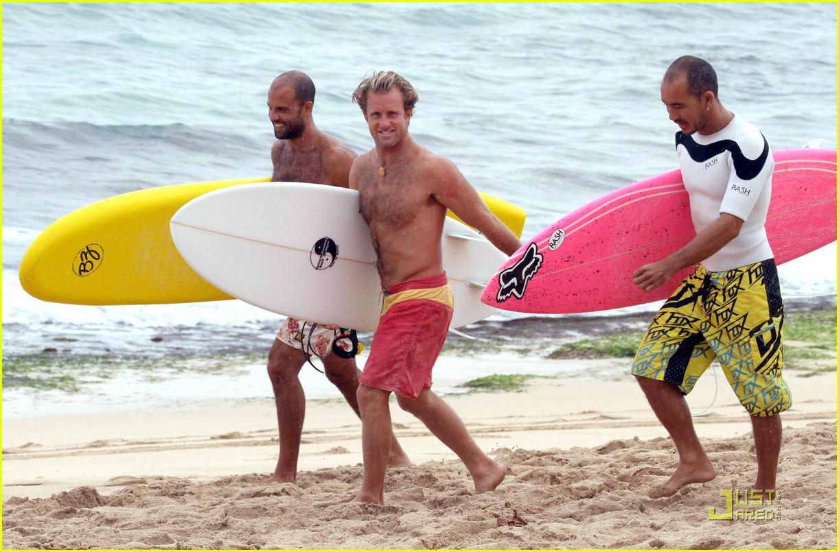 alex oloughlin scott caan hawaii five o men 022534425