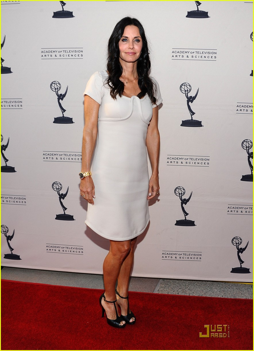 courteney cox cougar academymytext01