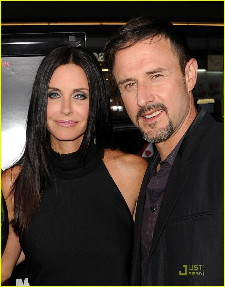 courteney cox david arquette neve campbell scream 4 premiere 02
