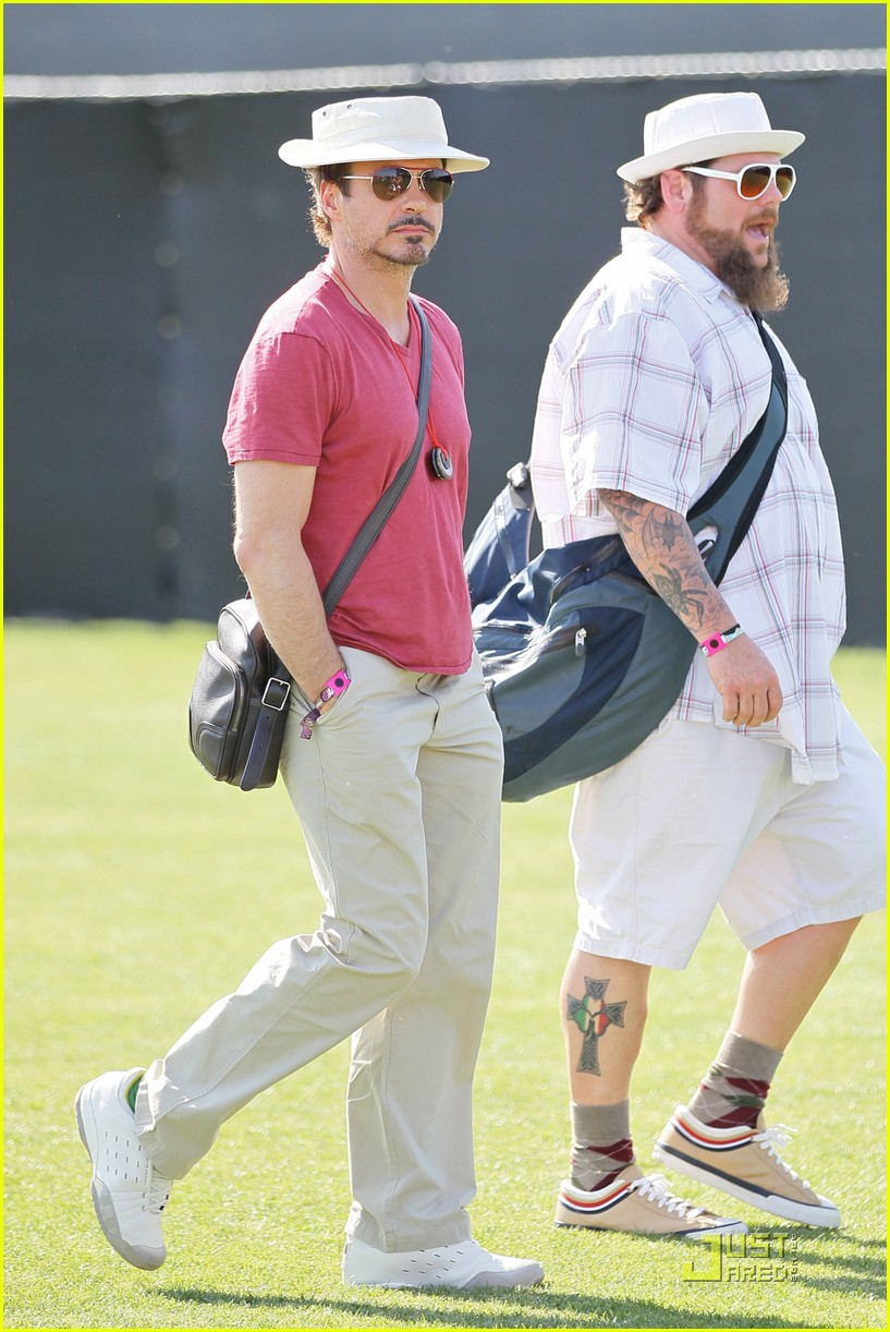 robert downey jr coachella concertgoer 01