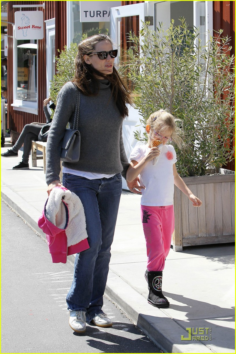 jennifer garner saturday fun with violet 15