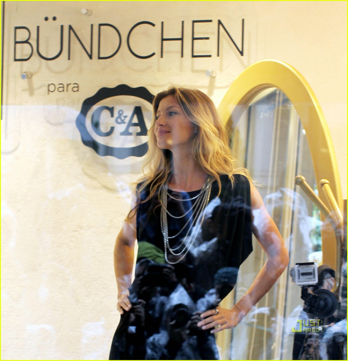 gisele bundchen sao paolo window 01