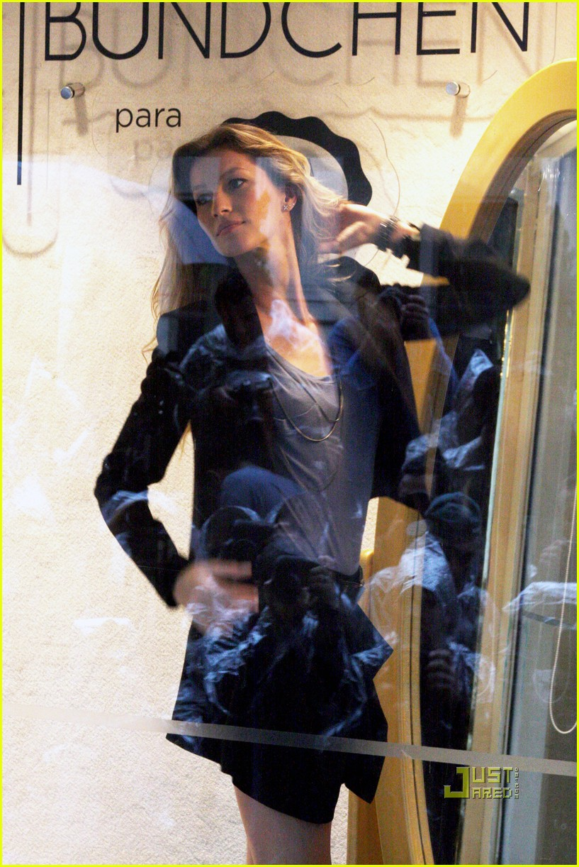 gisele bundchen sao paolo window 032538954